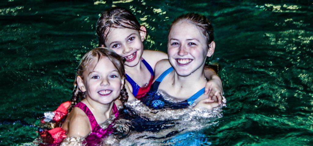 Spielerisch Schwimmen lernen